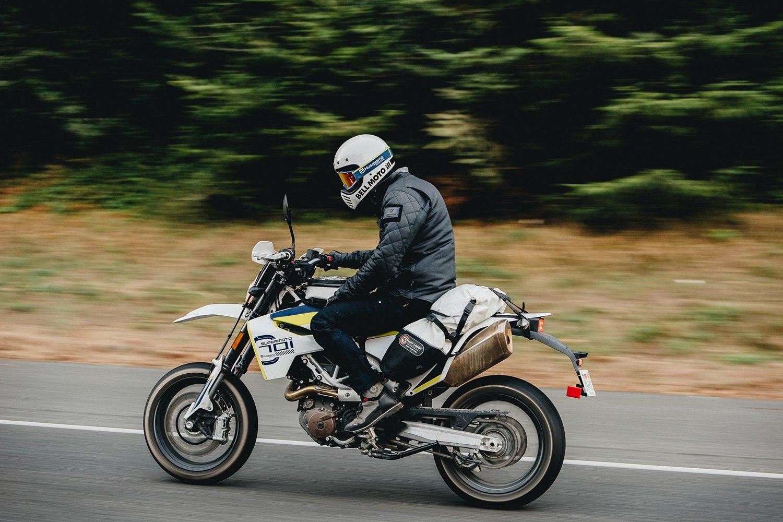Bell Moto 3 >> Bell 7100213 Moto 3 Medium Matte Gloss Black Off Road Helmet