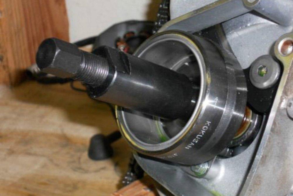 Dennis Stubblefield Sales Flywheel Puller 24 x 1.5 RH MP#63